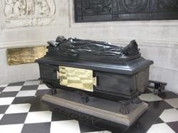 Charles George Gordon general tombstone