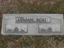 Freida W <i>Uppendahl</i> Armantrout