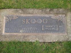 Vernon E Skoog