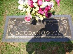 Beryl <i>Tucker</i> Bogdanowicz