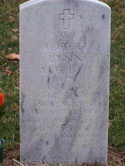 Robert L Alfultis