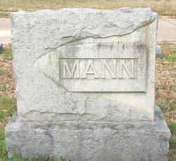 Una <i>Ury</i> Mann