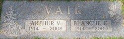 Arthur V Vail