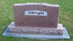 Vreeladine R Albright