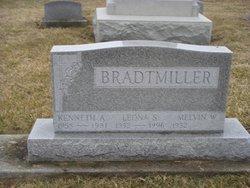 Leona S <i>Schmidt</i> Bradtmiller