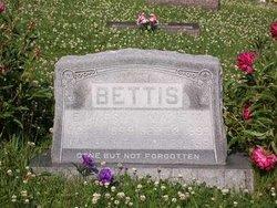 Marie Maxine <i>Stewart</i> Bettis