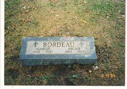 Almeida Meda <i>Barshaw</i> Bordeau