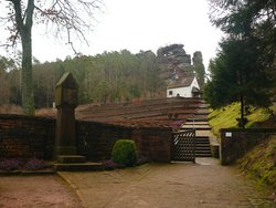 Dahn, Ehrenfriedhof