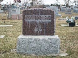 Henry J Anders