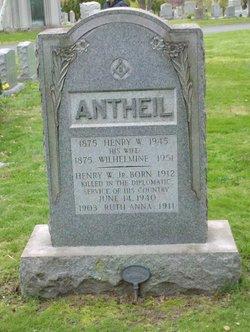 Henry W Antheil, Jr