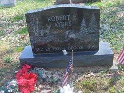 Pvt Robert E Ayers