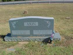 Archie Maurine <i>Henry</i> Akin
