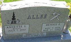 Dennis E Allee