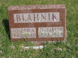 Elizabeth Blahnik