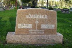 Robert Stanley Antolec