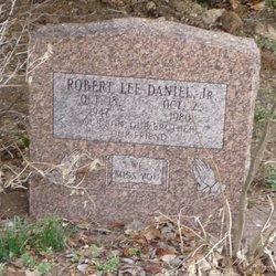 Robert Lee Daniel, Jr