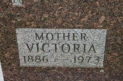 Victoria <i>Huttash</i> Wille