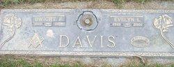 Evelyn L <i>Coomler</i> Davis