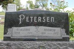 Marjorie L <i>Jacobsen</i> Petersen