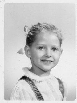 Elizabeth Rose Liz <i>Broome</i> Traynor