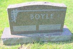 Frank W Boyle