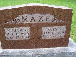 Stella V <i>Davis</i> Maze