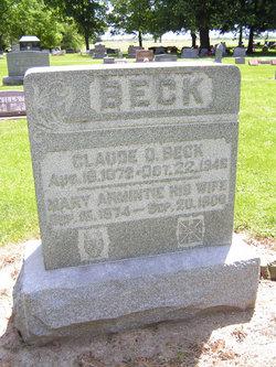 Claude D Beck