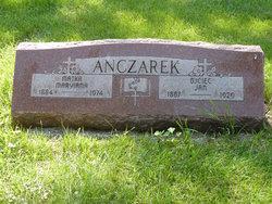 Mary <i>Rycerz</i> Adamczyk