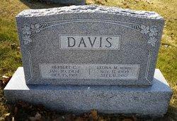 Leona M <i>Kendig</i> Davis