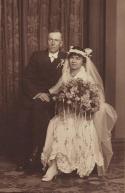 Frieda Martha Helen <i>Eberhardt</i> Schmitz