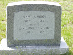 Annie <i>Dolloff</i> Moody