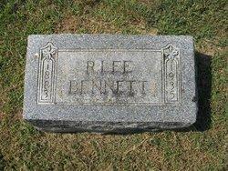 R Lee Bennett