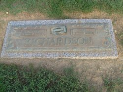 Pearl T Richardson