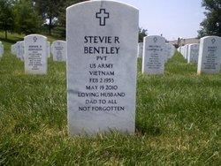 Stevie R Bentley