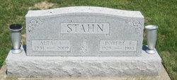 Robert E. Stahn