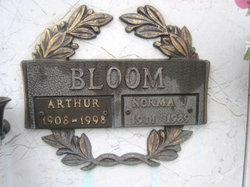 Arthur Bloom