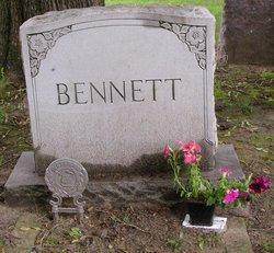 Christie E <i>Hoxsie</i> Bennett