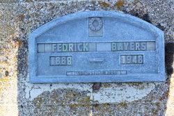 Fredrick F Bayers