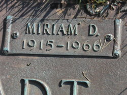 Miriam Dorothy <i>Boyer</i> Angstadt