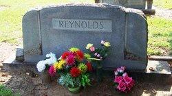 Julia Elizabeth Lizzie <i>Dean</i> Reynolds