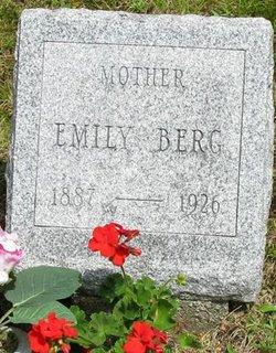 Emilea Emily / Emma <i>Peterson</i> Berg