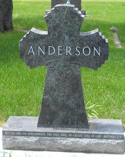 LaVern M <i>Weisser</i> Anderson