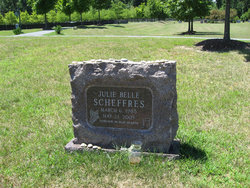 Julie Belle Scheffres