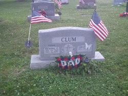 Richard C Clum