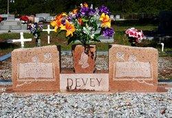 Della Faye <i>Lee</i> Devey Regets