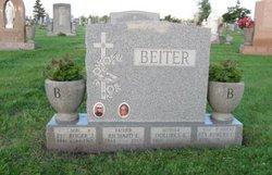 Dolores E <i>Edbauer</i> Beiter