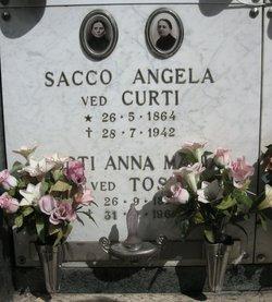 Angela <i>Sacco</i>