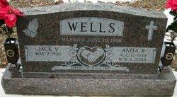 Anita R Wells