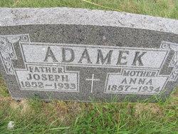 Anna Adamek