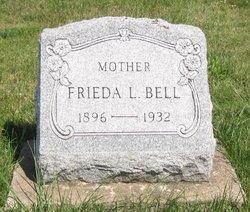 Frieda Louise <i>Reiland</i> Bell